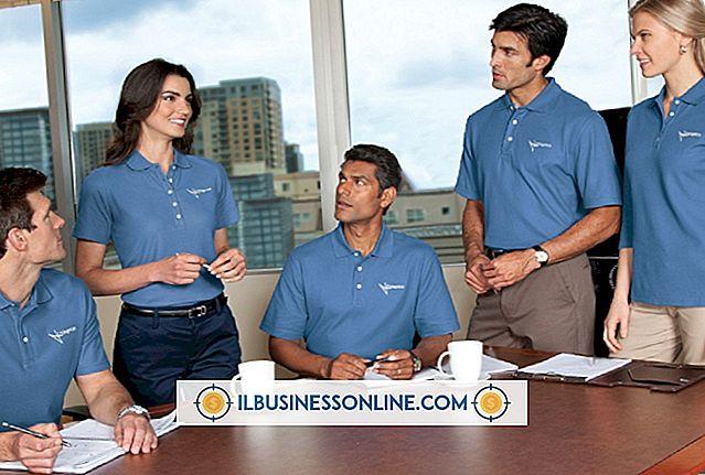 Möglichkeiten, ein individuelles T-Shirt-Geschäft anzukündigen