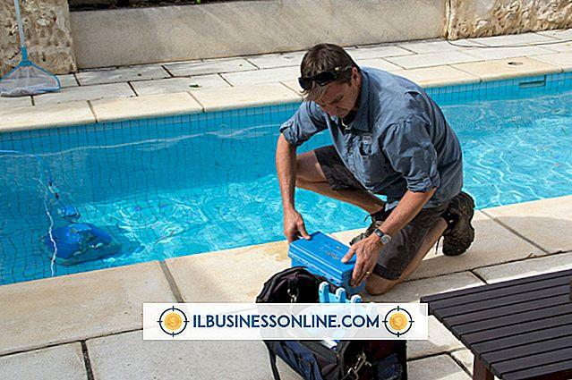 Hur man skriver ett förslag om att sälja ett Pool Service Business