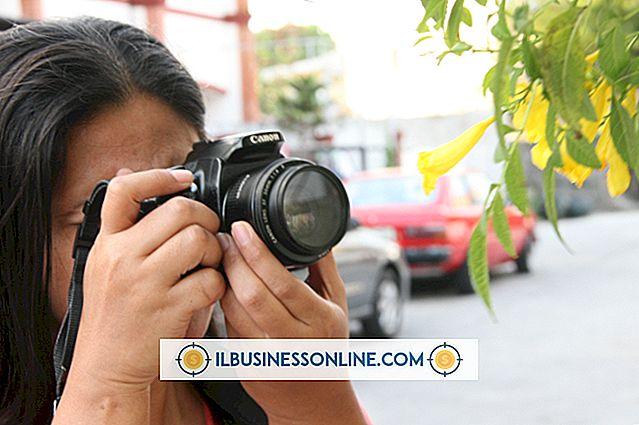 Dijital Fotoğraf Makinesi Kullanarak Fotoğrafları E-postayla Gönderme