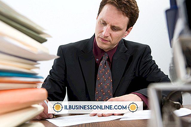 एक अपमानजनक नियोक्ता के खिलाफ शिकायत कैसे दर्ज करें