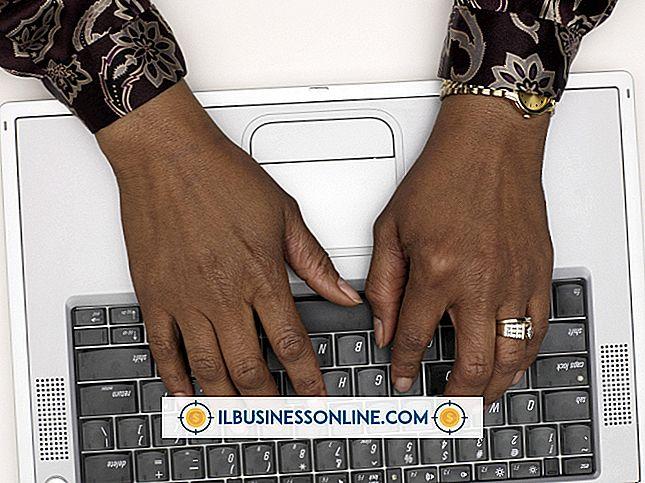 Hur man skriver en e-post till anställda om ett företag som expanderar